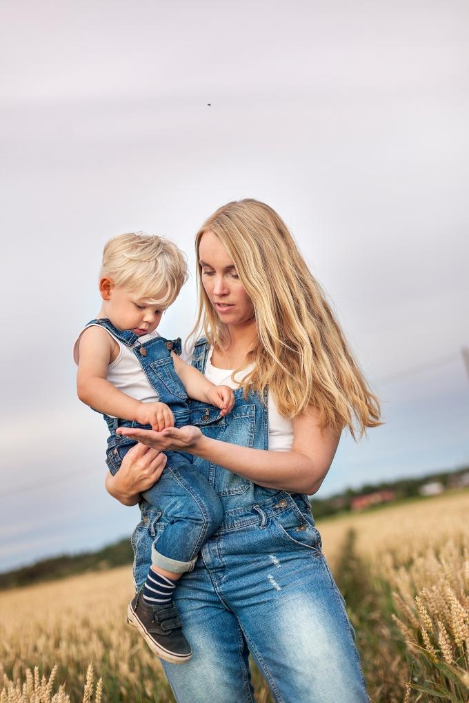 Woman 30, Boy 2, Finland, Sjundeå/Siuntio